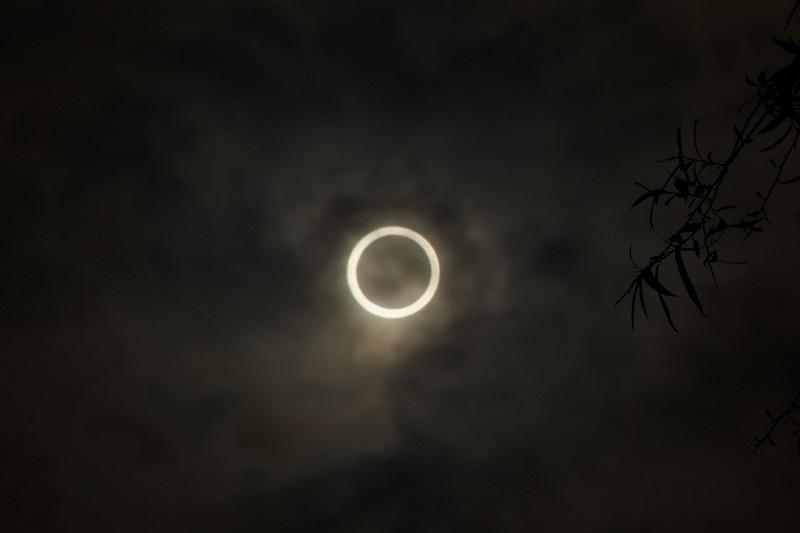 2012年5月21日、東京都荒川区でも観測することができた金環日食