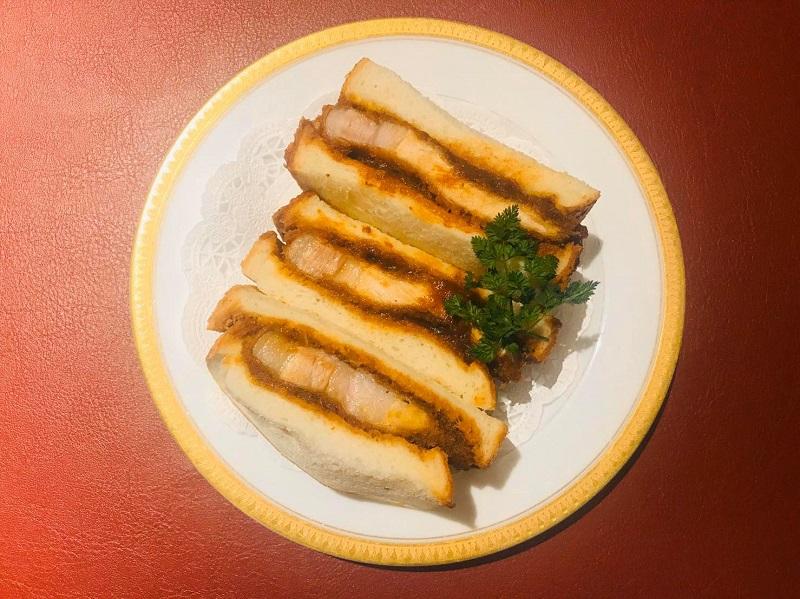 東京都荒川区にあるカド珈琲とレストラン山惚が期間限定でお子様向けの食事を無料配布