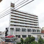 閉店したエヌ・マート 新三河島店が入っていたマンションの全ての入口が封鎖されていました